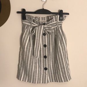 High-waisted striped skirt with pockets by H&M
